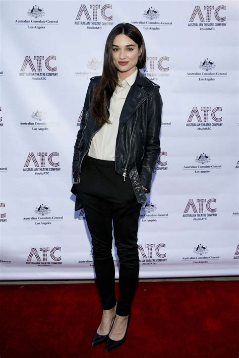 Crystal Reed – Night of Ruben Guthrie Opening at 2016 Los