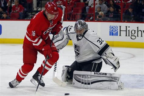 Les Hurricanes gagnent 3-2 face aux Kings