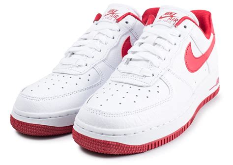 Nike Air Force 1 Low blanche et rouge - Chaussures Baskets