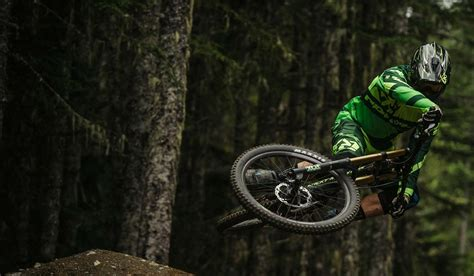 Downhill | Rocky Mountain Bicycles